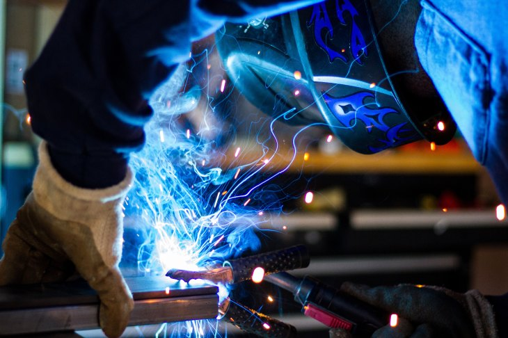 noisy work conditions, loud factory, hearing damage, hearing protection, gateway biotechnology, gateway to hearing health, gateway blog, gateway hearing blog, hearing health, blog